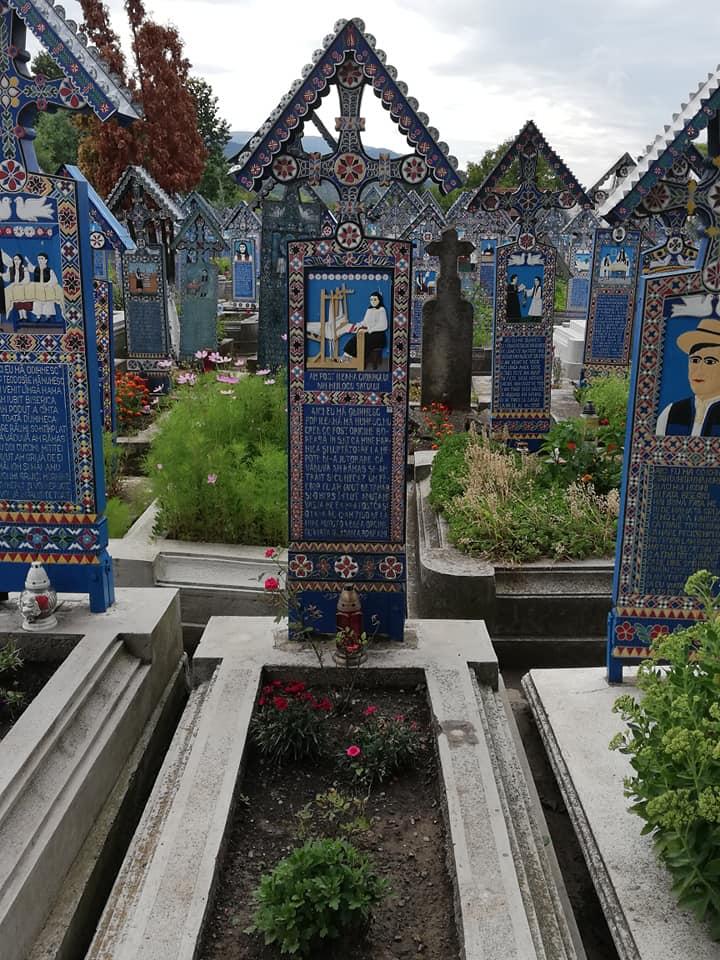 בית הקברות השמח העליז ספנצה מרמורש רומניה