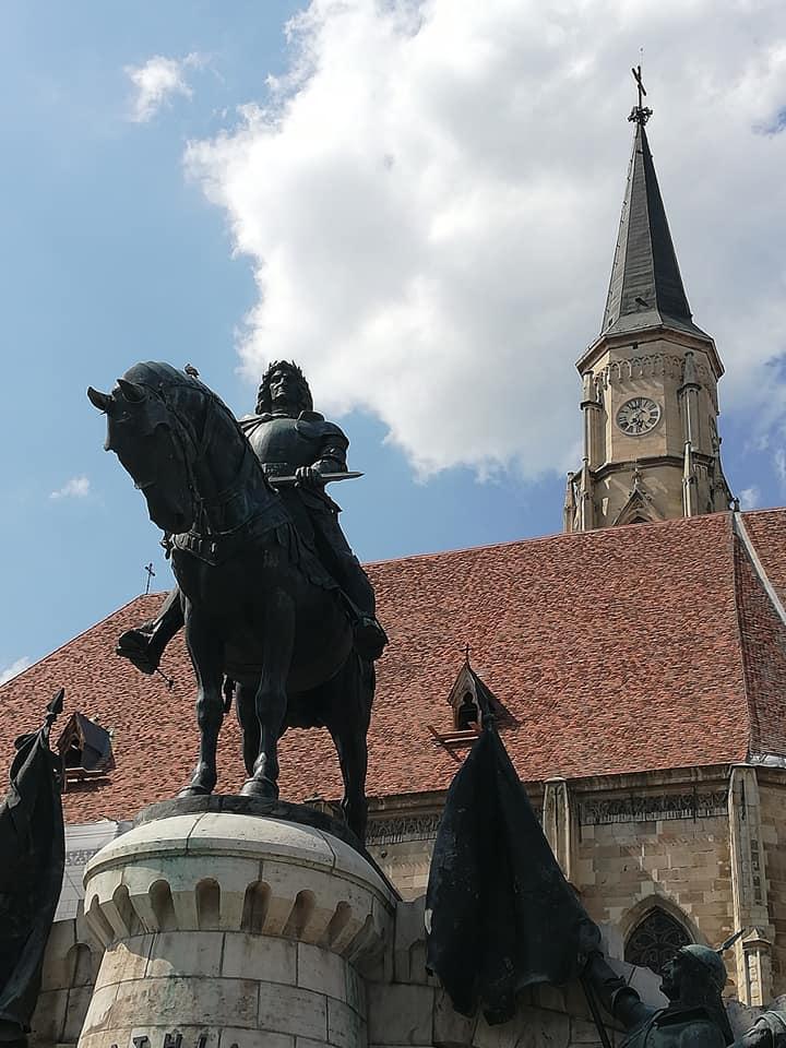 מאטיי קורבין קתדרלה פיאצה אונירי קלוז' נאפוקה רומניה