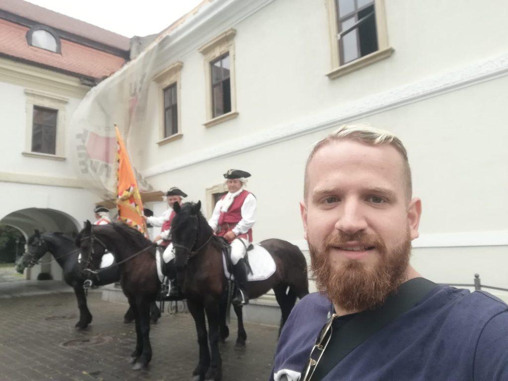 ג'ינג'י אלבה יוליה רומניה